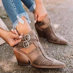 10 Dbl Buckle Brown Strappy Ankle Booties